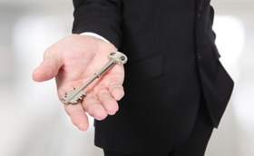 """השכרת דירה - 5 עו""""ד נותנים טיפים חשובים למשכיר"""