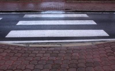 ירד מהמדרכה לכביש ונפל, עיריית חיפה תפצה - תמונת כתבה