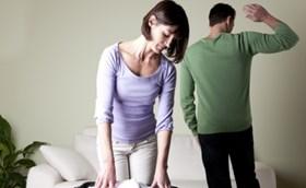 בעל שנסה לסחוט את אשתו כספית, חוייב בגט