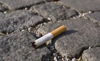 זרקת סיגריה מהרכב? היזהר, ייתכן שתאלץ לשלם קנס!