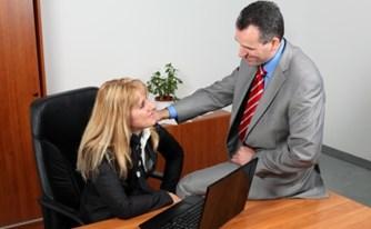 הטרדה מינית בעבודה - מהן זכויות החשוד בהטרדה?