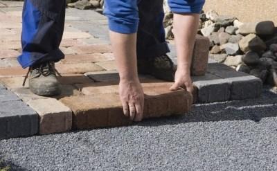במדרכה נפער שבר - עיריית נהריה תפצה את האשה שנפלה - תמונת כתבה