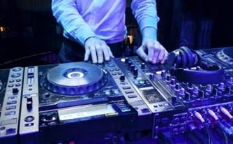 """הפדרציה הישראלית לתקליטים וקלטות בע""""מ תקבל פיצוי חלף צו מניעה זמני"""