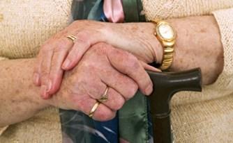 הכנסת אישרה סופית: עקרות בית ואלמנות שמלאו להן 82 יקבלו קצבת זקנה