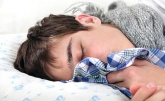 האם להורים יש זכות להפסיק טיפול רפואי לבנם?