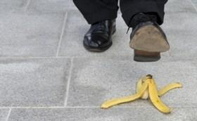 נזקים גופניים בעקבות נפילה: מתי אפשר לקבל פיצויים?