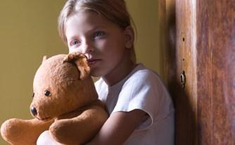 הוצאת ילדים מבתיהם - היד הקלה על ההדק