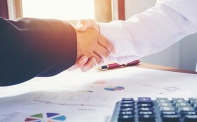 חתימה על הסכם להסדרת הנכסים - תמונת כתבה