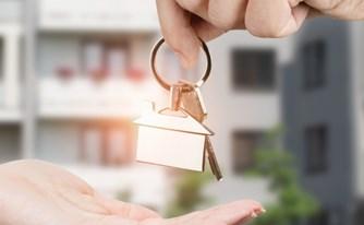 מדריך להעברת זכויות בנכס בעסקת מכר מיד שנייה