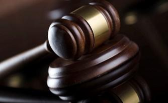 פרשת המסרונים: דרוש שינוי בתקנות המאפשרות לשופטים לפסול את עצמם