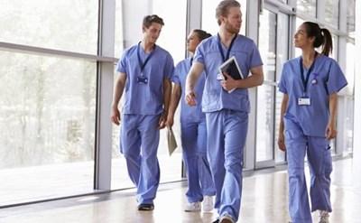 רופאים בבית החולים - תמונת כתבה