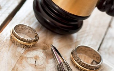 דיני משפחה - נישואין, גירושין, חתימה על הסכם - תמונת כתבה