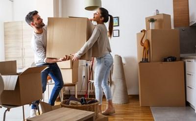 דיירים עוברים לדירה שכורה - תמונת כתבה