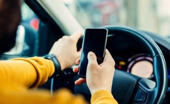 שימוש בנייד בעת נהיגה: מדיניות האכיפה הוחמרה