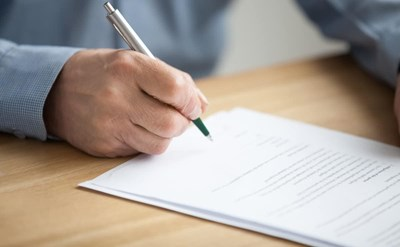 חתימה על צוואה - תמונת כתבה