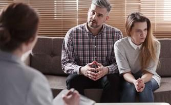 גישור בין בני זוג ויתרונותיו אל מול הליך משפטי