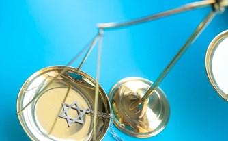 מה ההבדל בין טוען רבני לעורך דין?