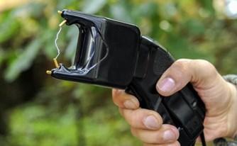 נשק קטלני: נפגעת משימוש בטייזר על ידי המשטרה? כיצד תפעל?