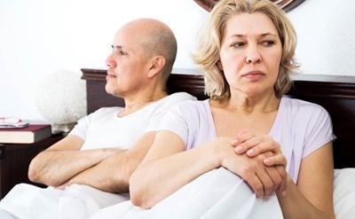 גבר ואישה בחדר השינה - תמונת כתבה