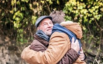 הסכם גירושין: האב שנטש את בנו החולה חזר לאחר 20 שנה