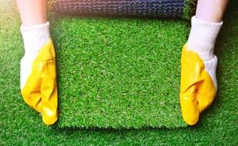 כנגד כל הסיכויים: מתקין הדשא הסינתטי שילם על הנזילות פחות מ-10% מסכום התביעה