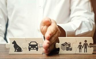 איזון משאבים בהליך גירושין – חלוקת זכויות שווה בכל מחיר?