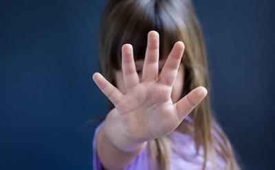 התעללות בילדים - תמונת כתבה
