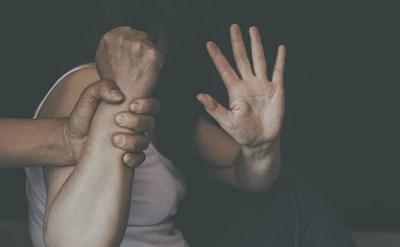 אלימות במשפחה בזמן הקורונה: הנגיף האמיתי - תמונת כתבה