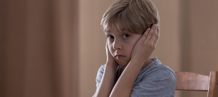 הילד עצוב - הוריו נפרדים