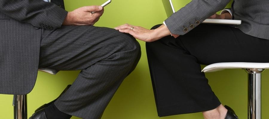 הטרדה מינית בעבודה - גם כשאשה מטרידה גבר