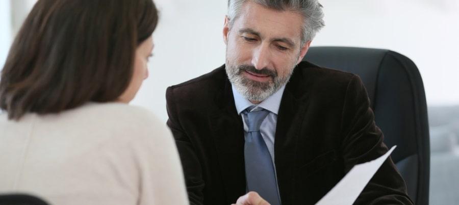 פגישה עם עורך הדין