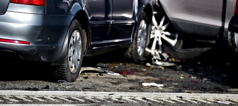 תאונה בין מכוניות