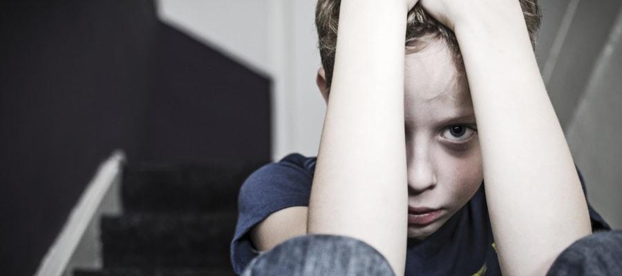 מצב הילד לא טוב - משופע מגירושי הוריו