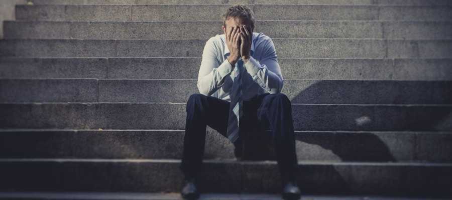 קשה לאיש להתמודד עם החוב