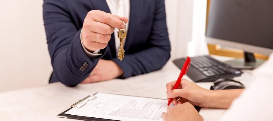 ההסכם נחתם - אפשר למסור את המפתחות