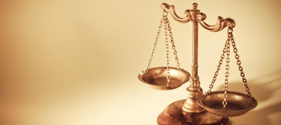 הצדק בבית המשפט