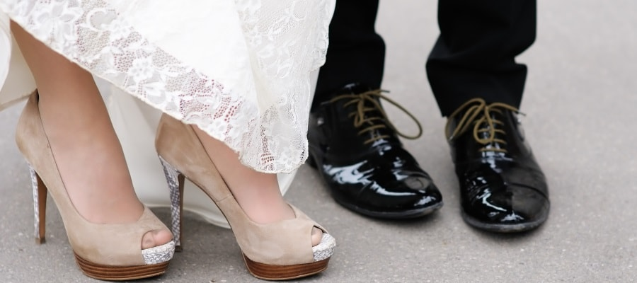 בני זוג ביום חתונתם - חשוב לחשוב גם על העתיד