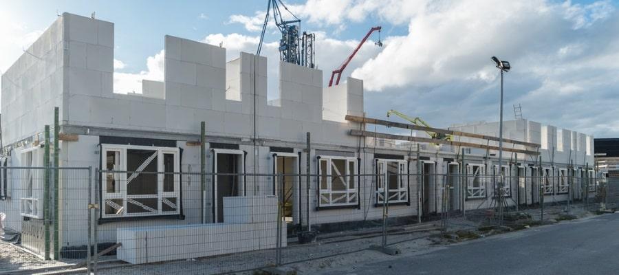 בניית הבית